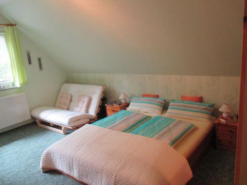 SZi. 2, Doppelbett 1,60m u. Bettcouch