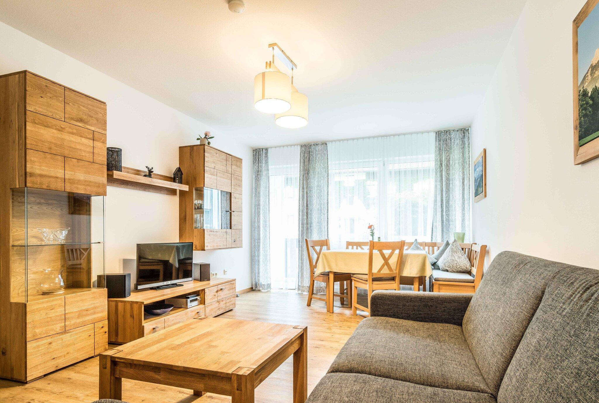 Kinderspielraum u. Billard u.Tischtennis