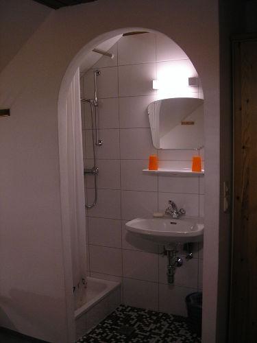 Zimmer mit Dusche