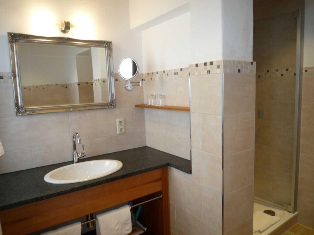 Gästehaus Johanna, Ferienwohnung, 1.OG, Nr. 2-3, S