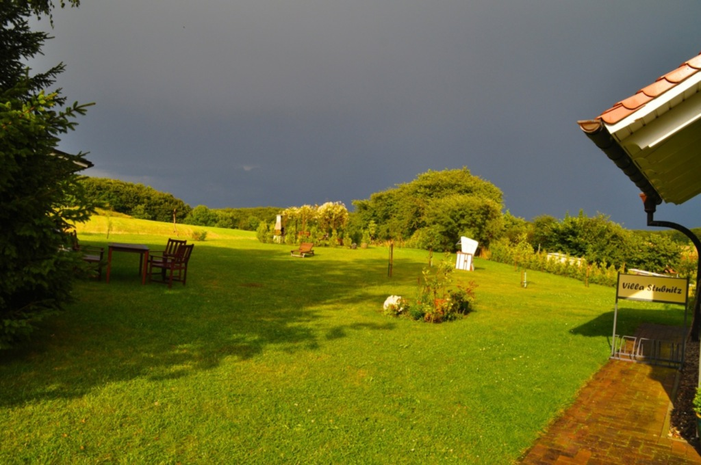 Landvilla mit großem Grundstück - ASM, Ferienwohnu