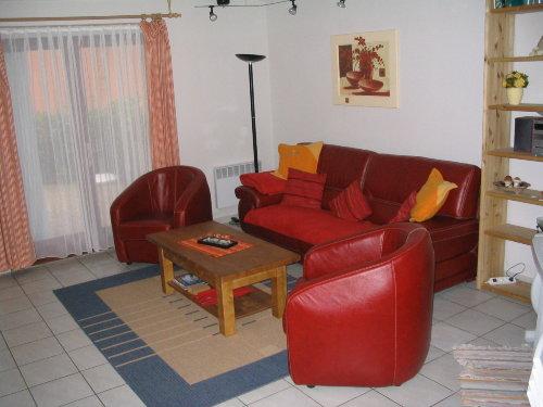 Blick ins Wohnzimmer - linker Bereich