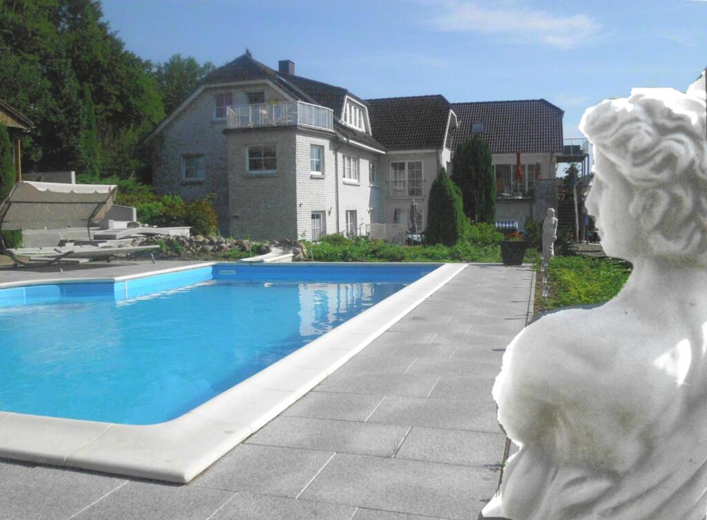 Villa Vogelsang, VV 22; 4-Raum; Hochpaterre; Balko
