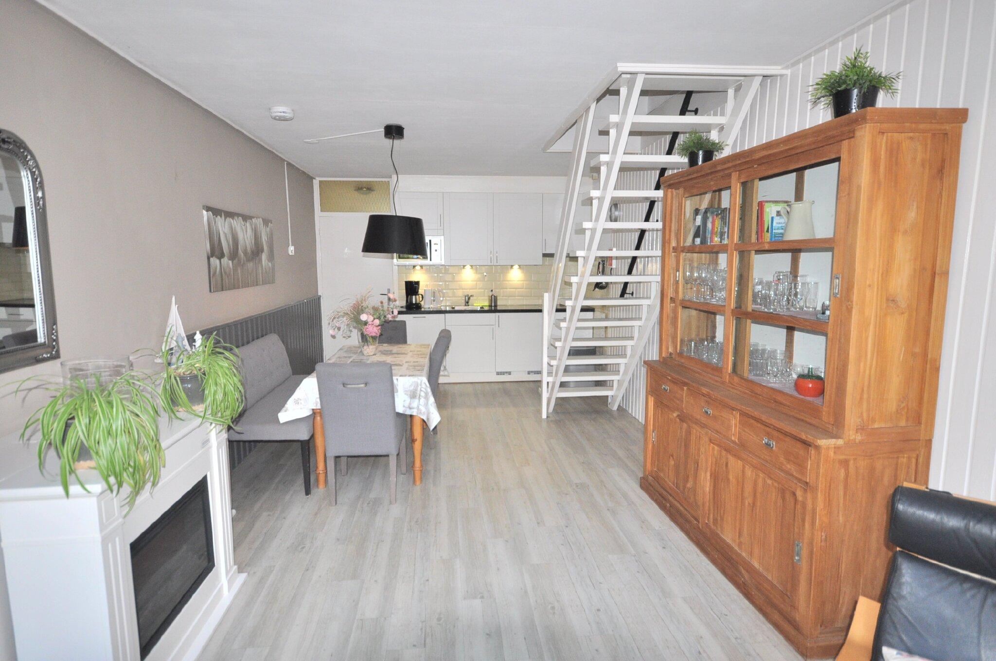 Wohnzimmer WH 112.