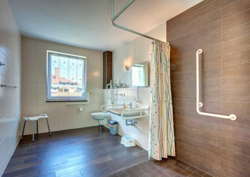 haus werder wohnung 1 mit kamin zinnowitz h werder eg wg1 2 4p in zinnowitz seebad. Black Bedroom Furniture Sets. Home Design Ideas
