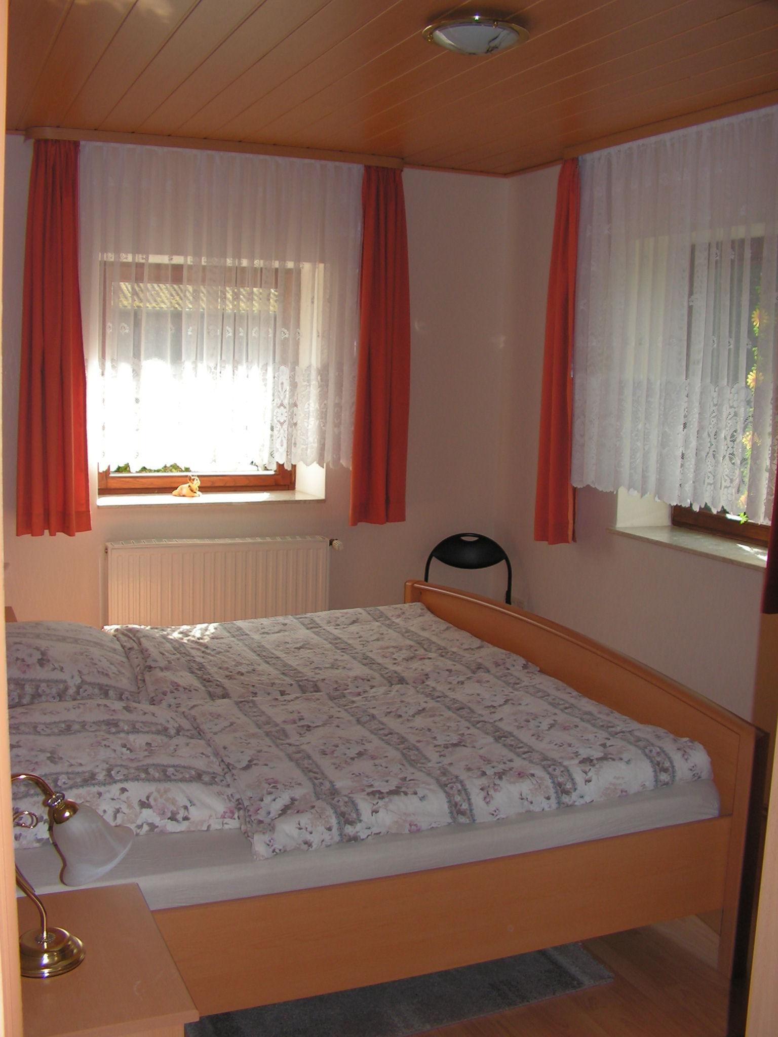 Schlafzimmer 1 mit 2 Einzelbetten