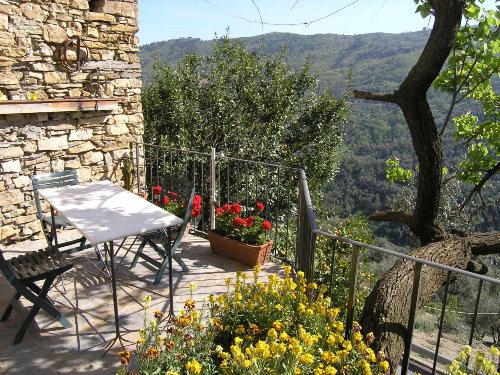 Terrasse mit Blick auf das Tal