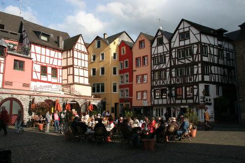 der Karlsbader Platz in Bernkastel