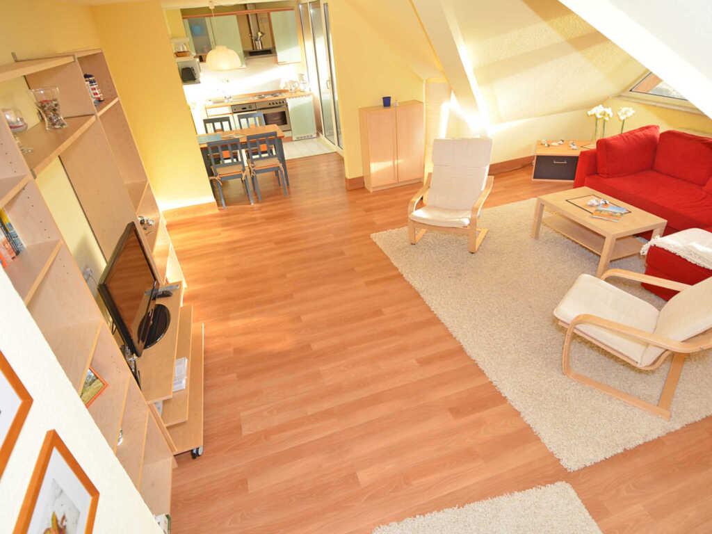 Strandhaus Lobbe F545 WG 20 im DG mit Balkon, SL