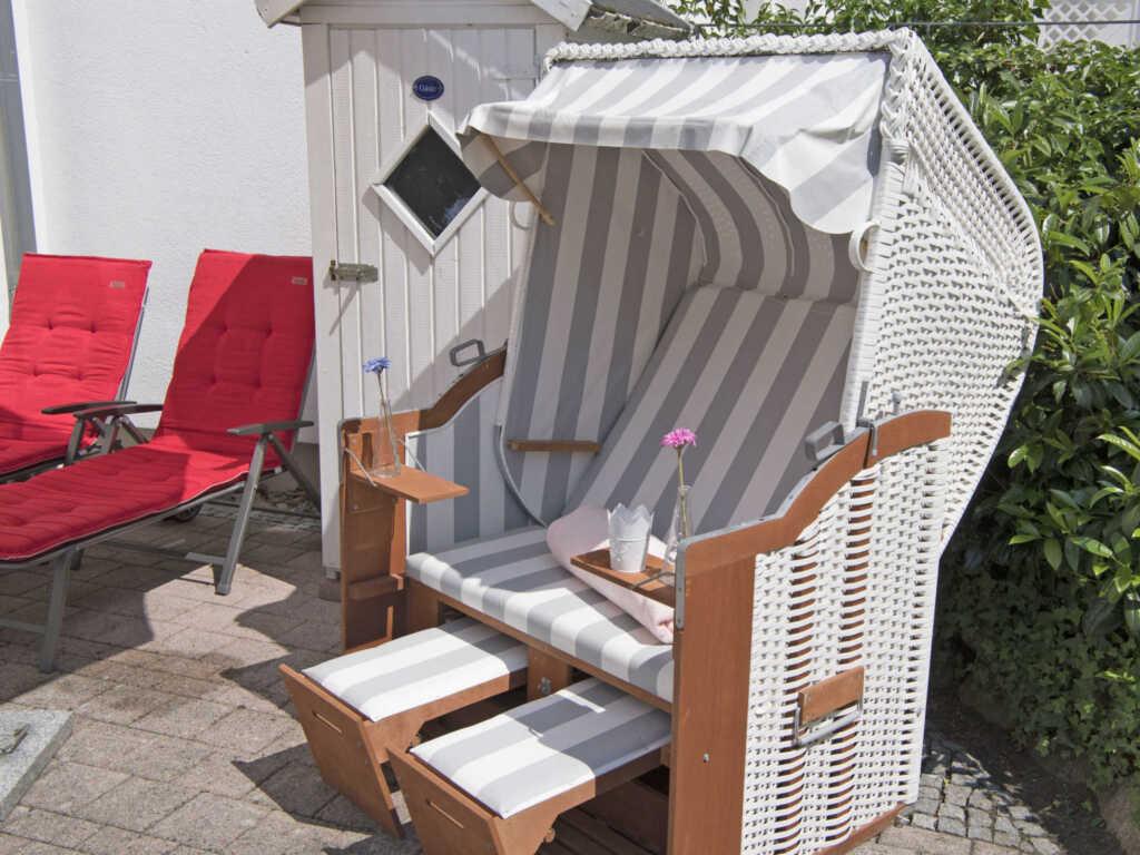 Villa Li F 546 WG 01 im EG mit Strandkorb auf Terr