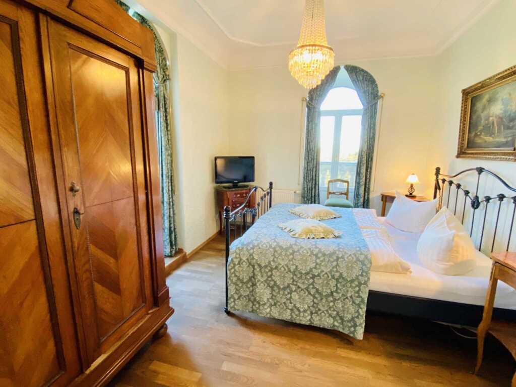 Gästehaus Bleichröder, Suite 8 mit Gartenblick