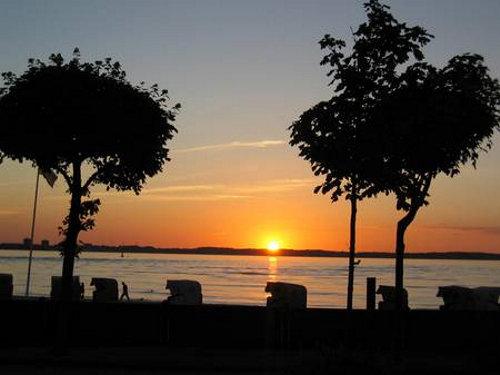 Sonnenuntergang am Strand von Laboe