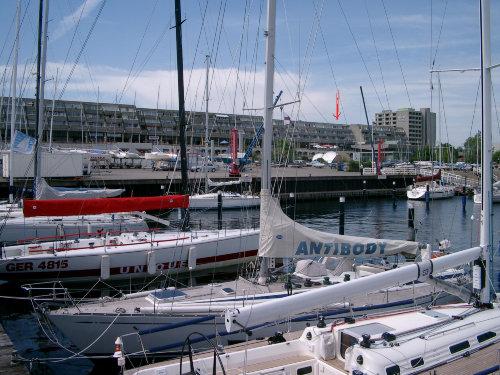 Blick vom Hafen auf das Apartement