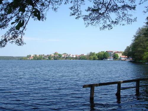 Am Straussee - mit Blick auf die Stadt