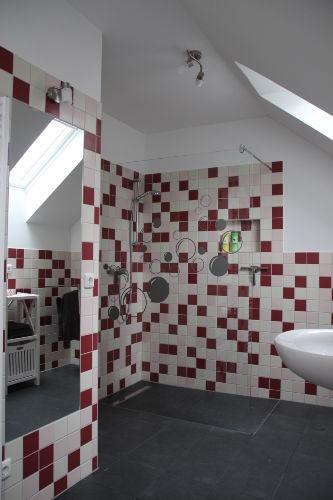 Im Bad - mit bodengleicher Dusche