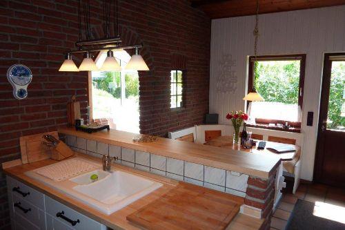 Der Tresen der offenen Küche
