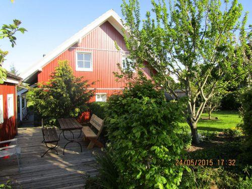 Terrasse 2 mit Garten