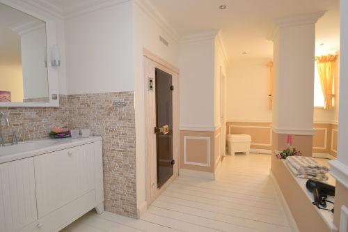Badezimmer und Wellnessbereich