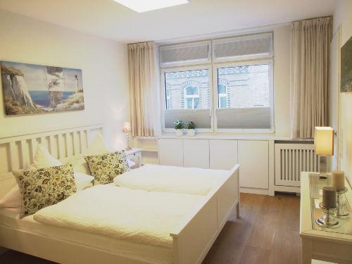 Geschmackvolles Schlafzimmer (1)