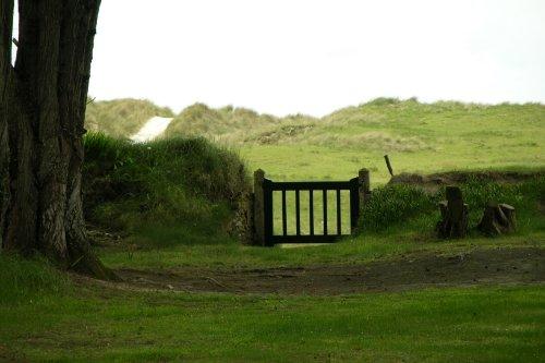 Ausgang zur Düne und Stand