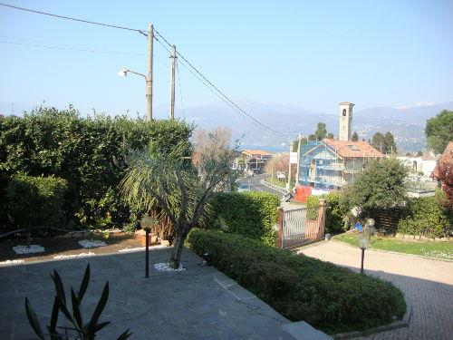 Die Terrasse und der Eingang
