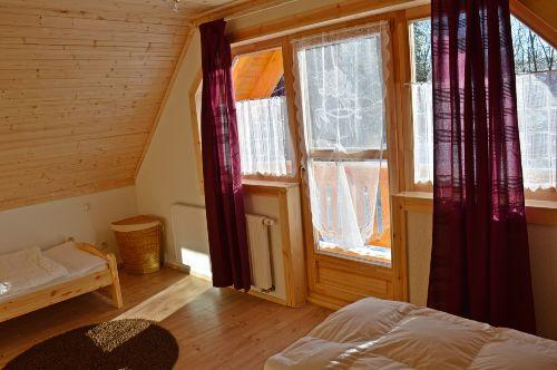 Schlafzimmer NR.2 (mit Einzelbett)