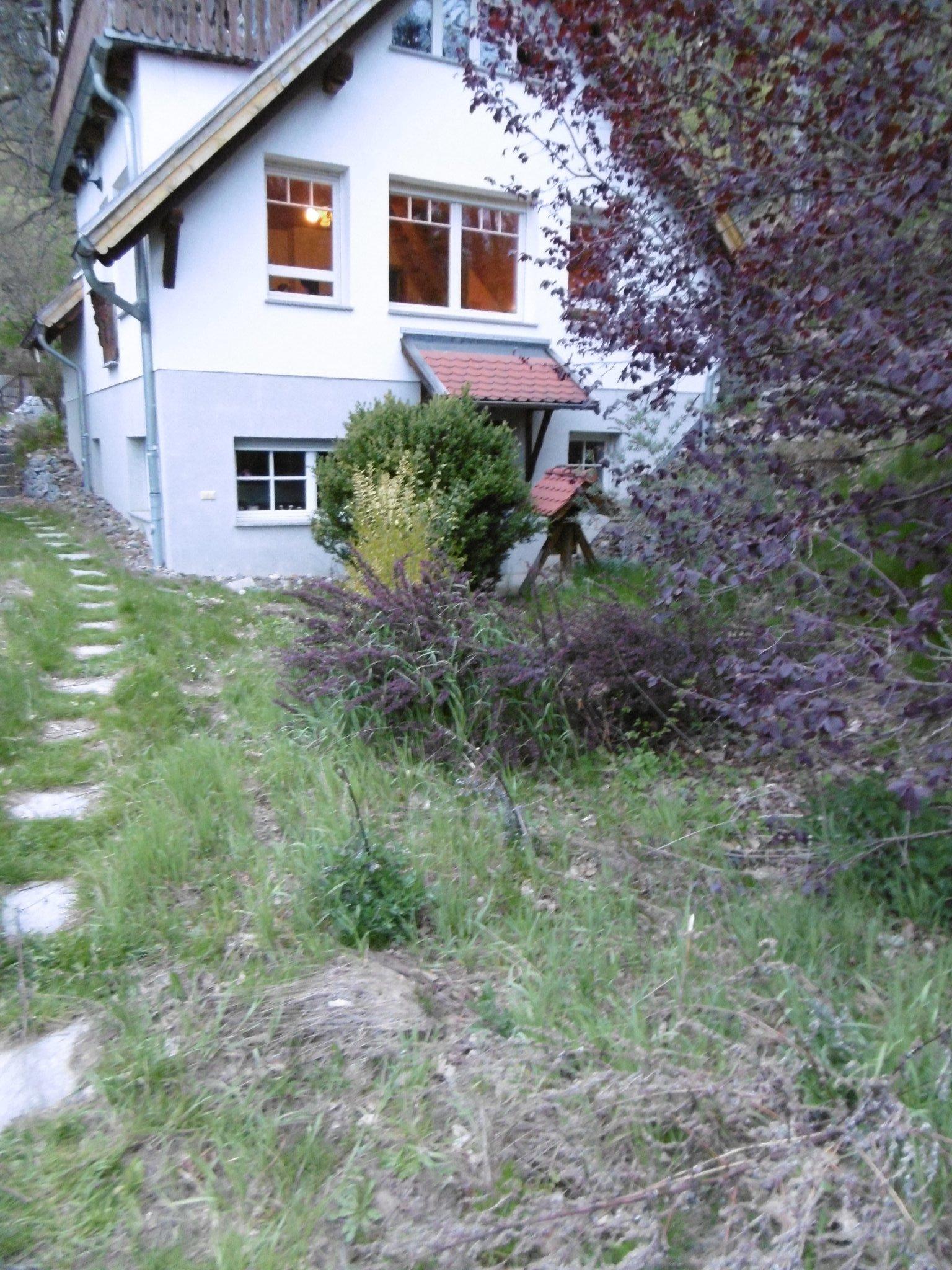 FH rechts, dahinter Dorf und Bodetal