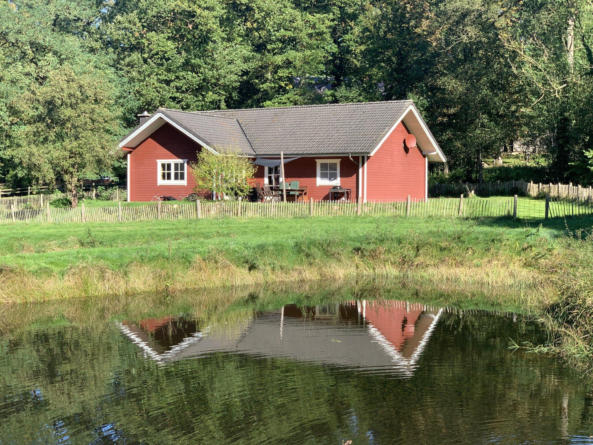 Haus am Teich