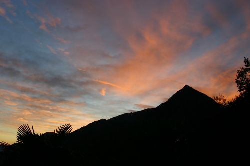 Abendstimmung Blick vom Balkon auf Berg