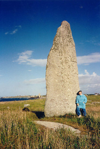 Menhir Cam Louis in St. Eden/Menfig