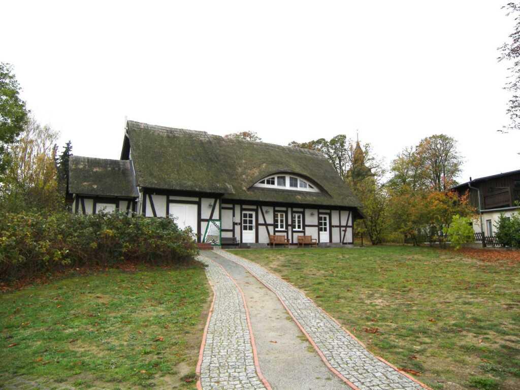 Reetgedecktes Ferienhaus Benz an der Kirche, Fewo