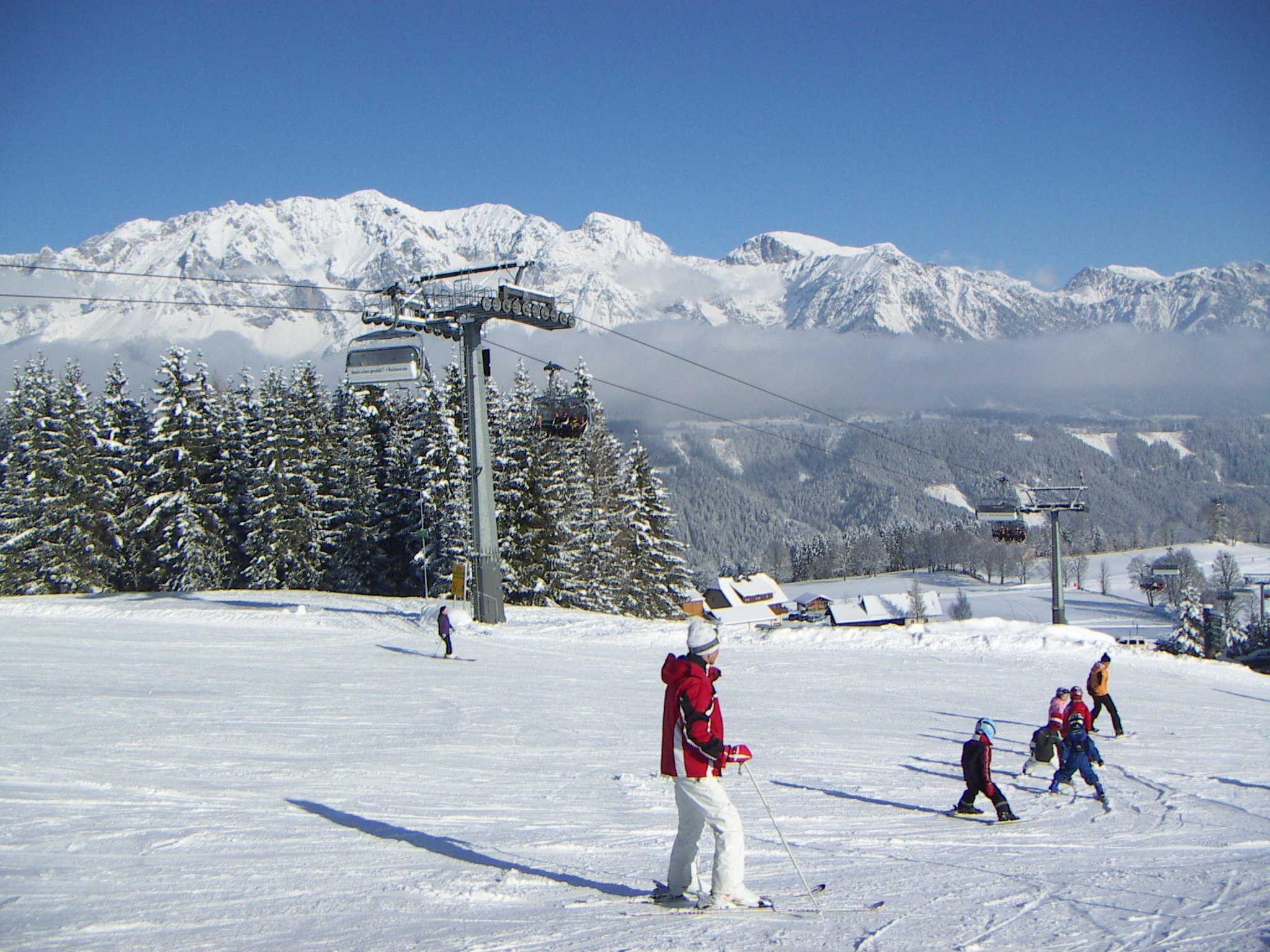 Direkt an Lift, Ski und Rodelbahn 1350m