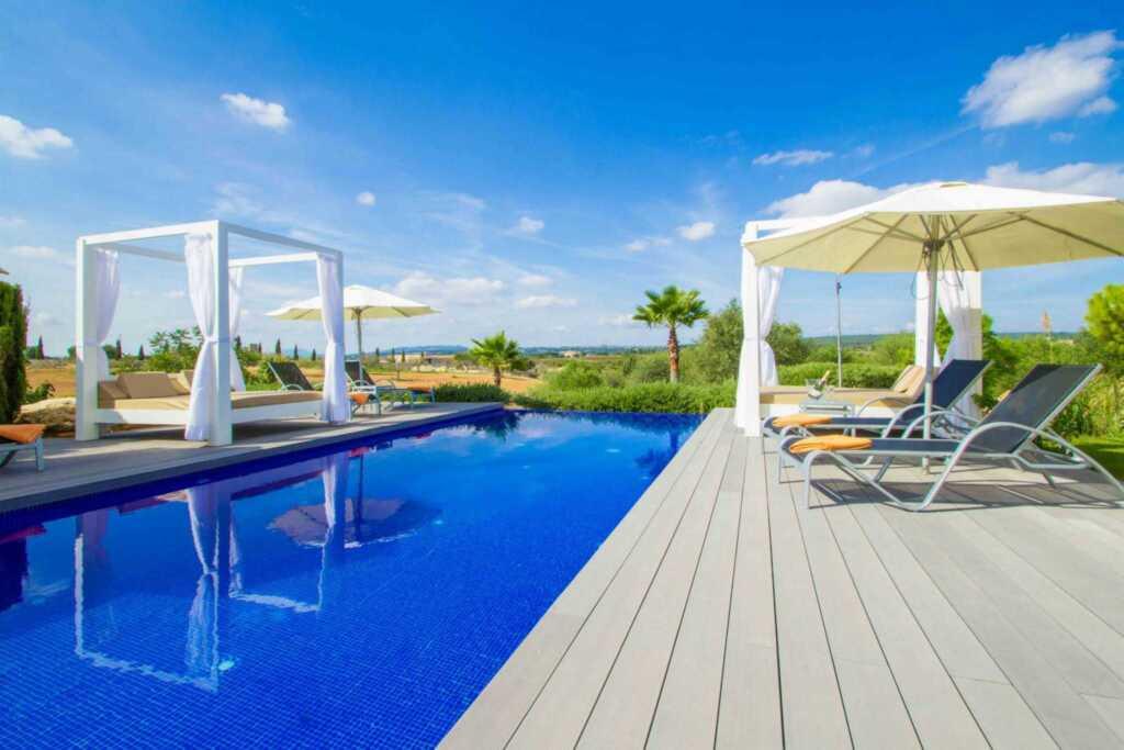 780533 Luxuslandhaus mit 7 Suiten