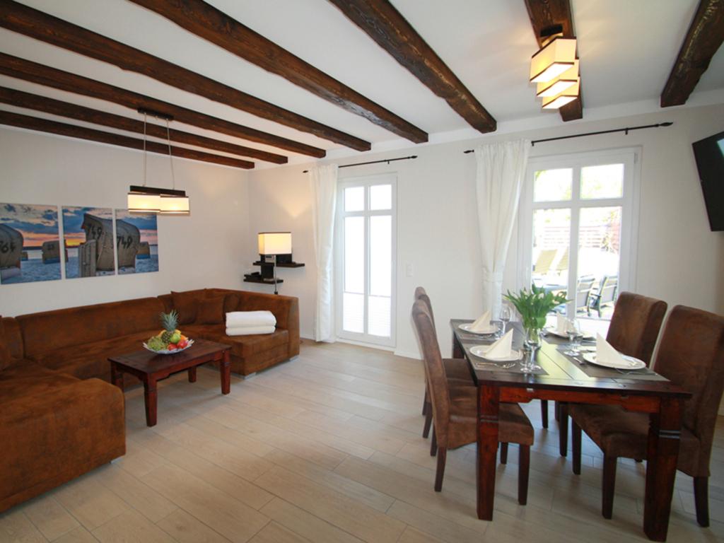 neu landferienhaus mit kamin 2 b der 2 sz am wasser. Black Bedroom Furniture Sets. Home Design Ideas