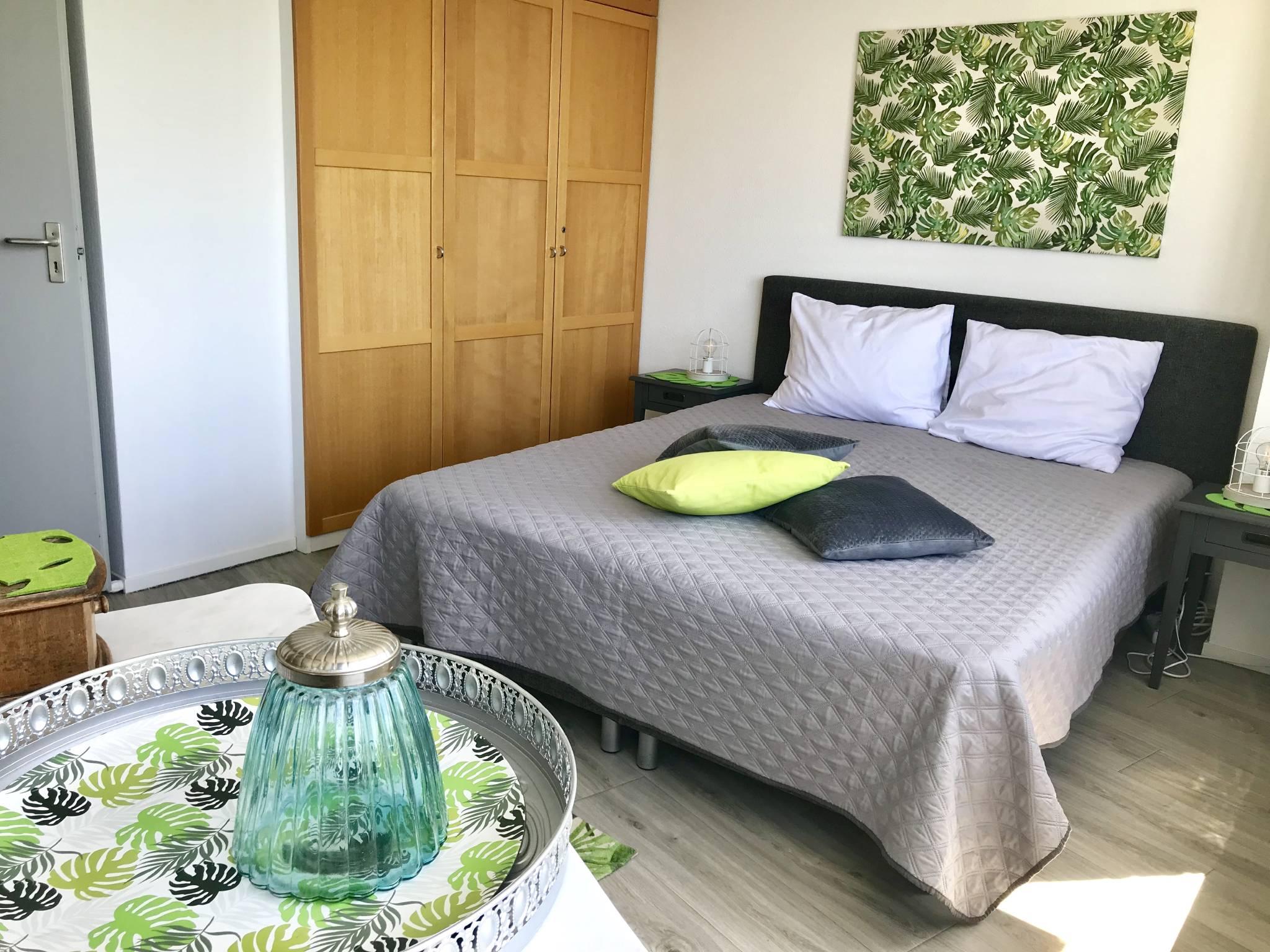 Schlafzimmer- Hochbett 140 x 200