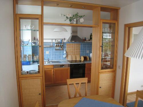 Blick vom Esszimmer zur Küche