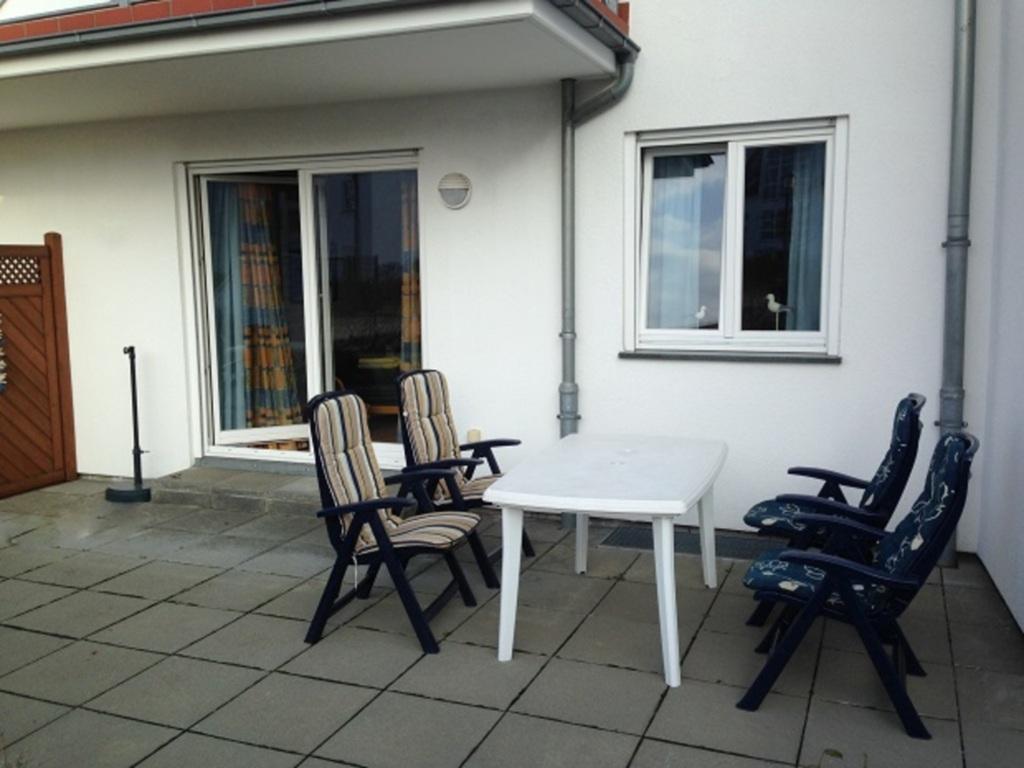 *Uhlenhorst - Rathjens GM 69716 - Parkplatz 11, *
