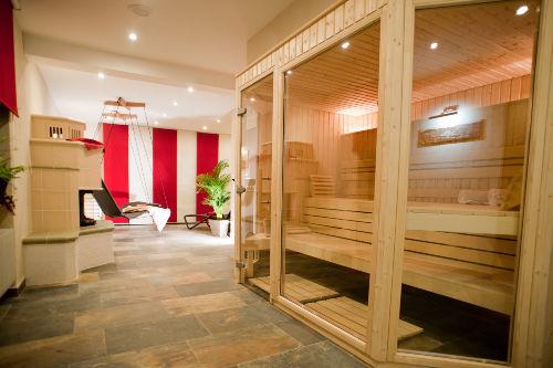 Sauna mit Kaminfeuer!