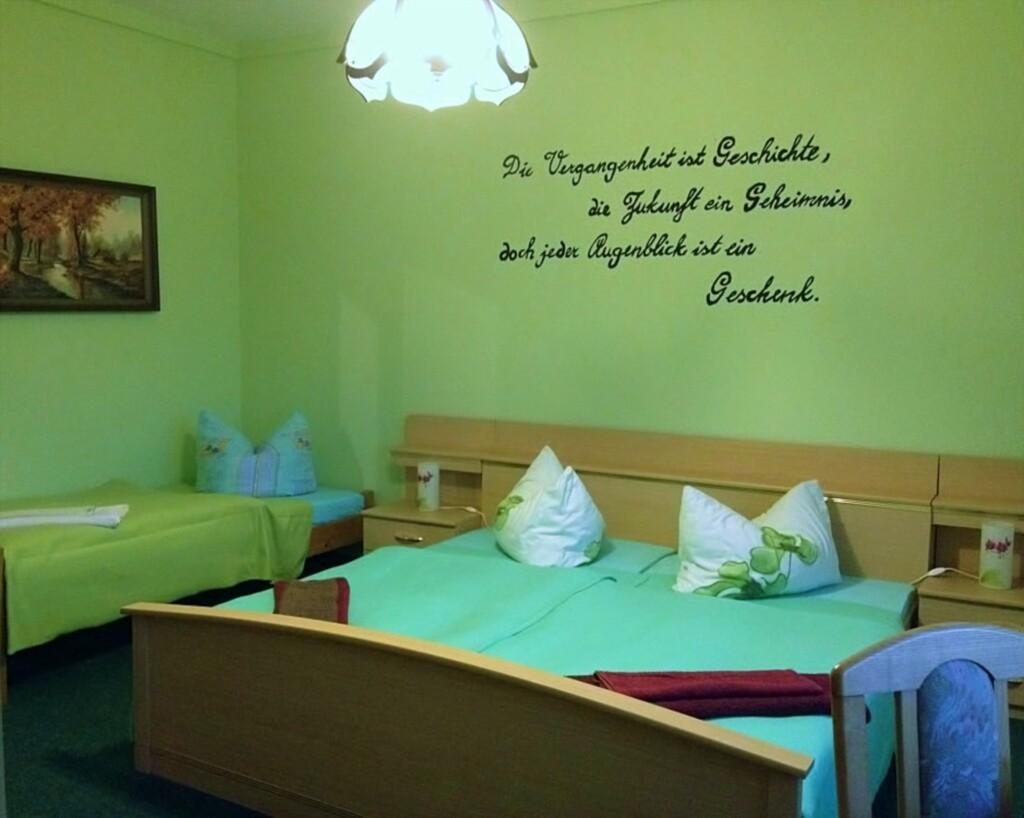 Pension Forellenhof, Zimmer 2 (3 BZ)