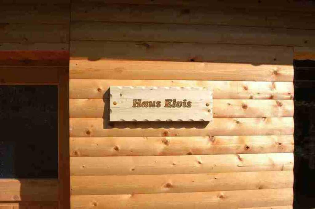 holiweek, Haus Elvis