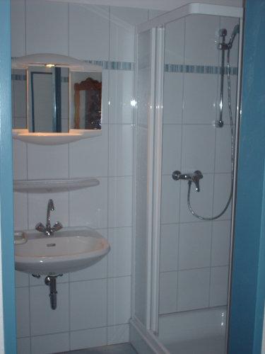 Das Bad wurde auch komplett erneuert