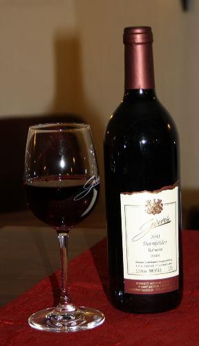Prost ! Weine aus eigenem Weinanbau !