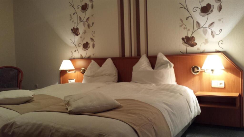 Hotel garni Engel Altenau, Dreibettzimmer