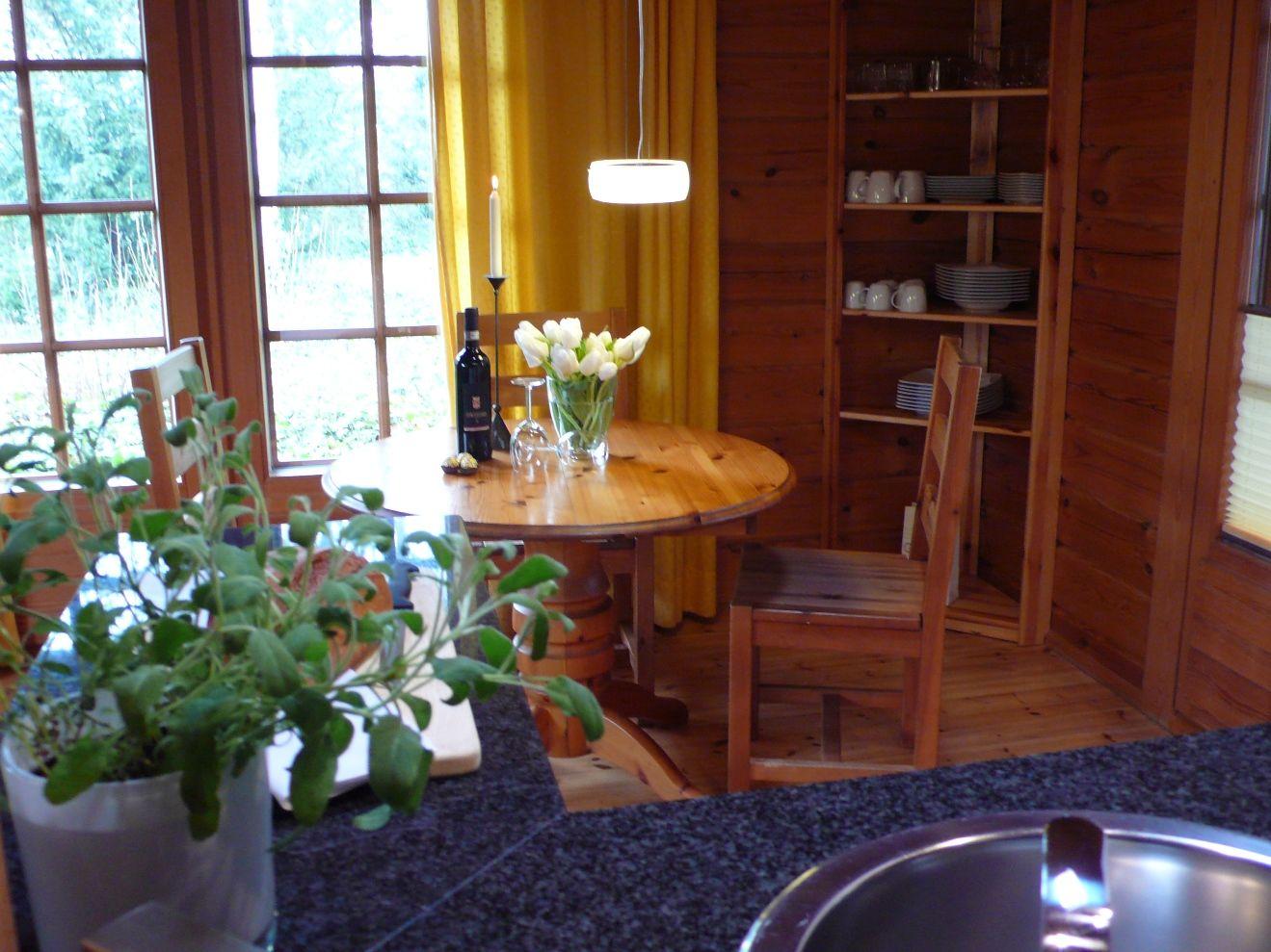 rustikale Essecke im Wohnzimmer