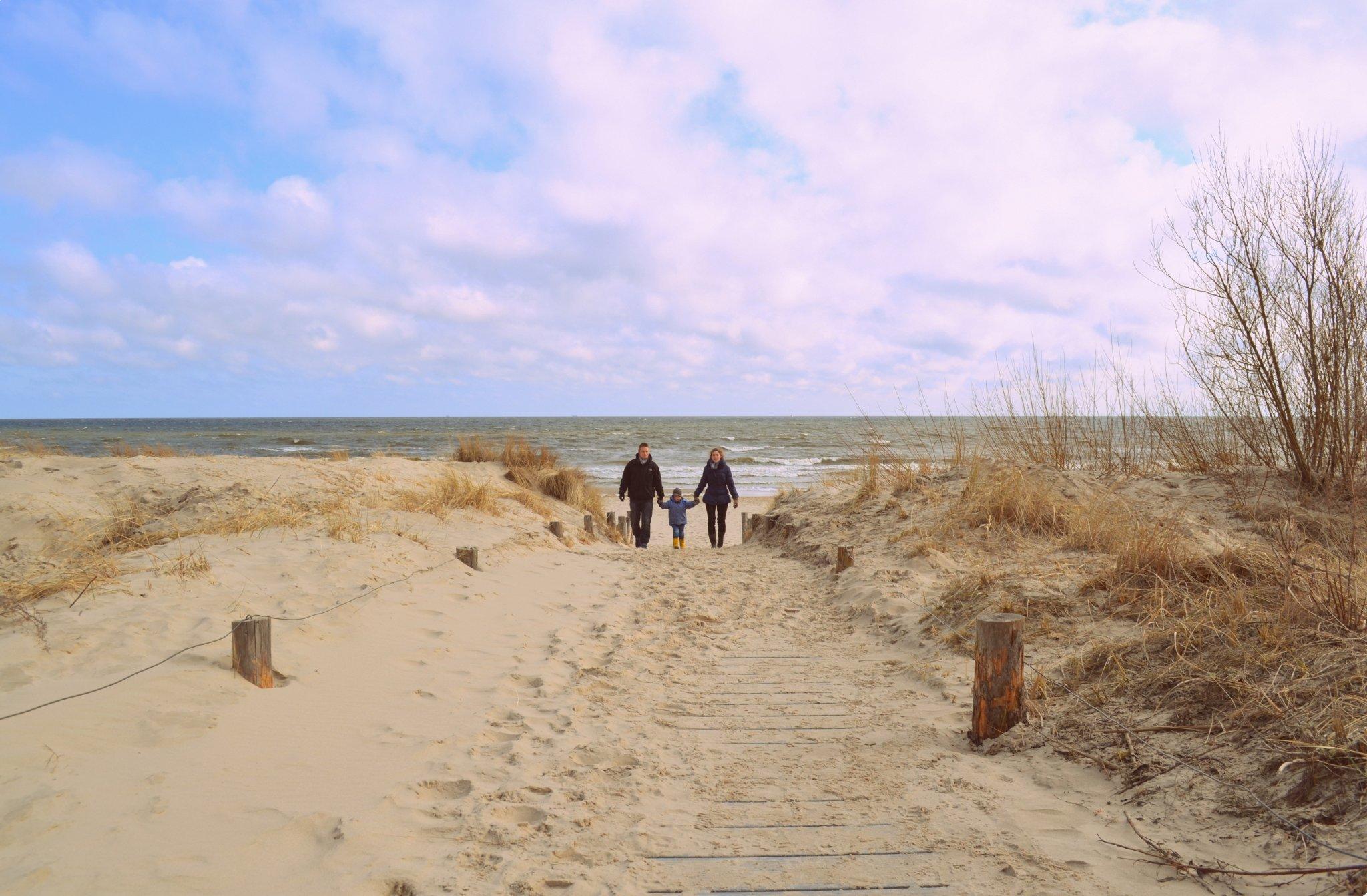 Strand mit Heringsdorfer Seebr�cke