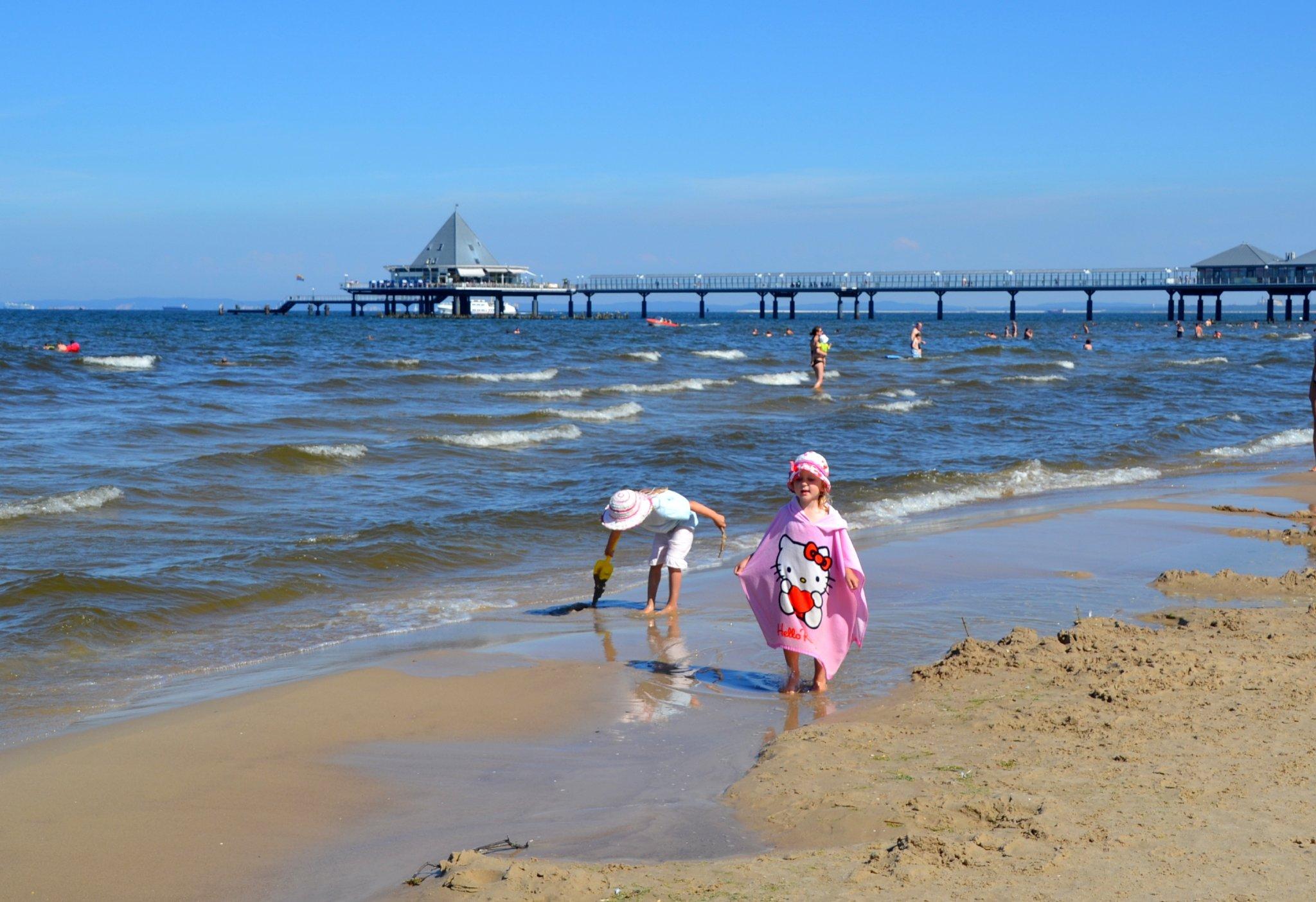 Strand mit Heringsdorfer Seebrücke