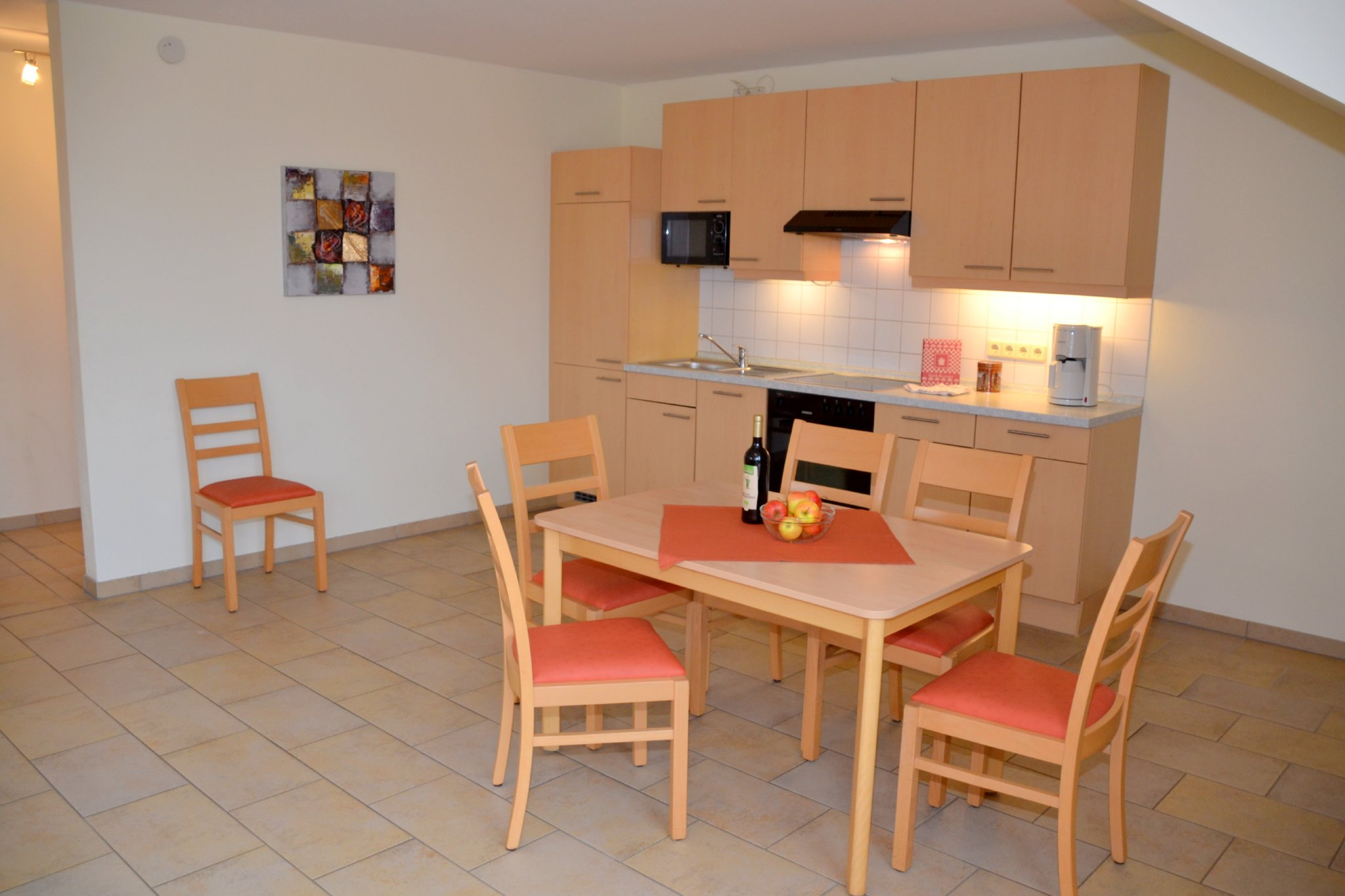komplette Küchenzeile im Wohnraum