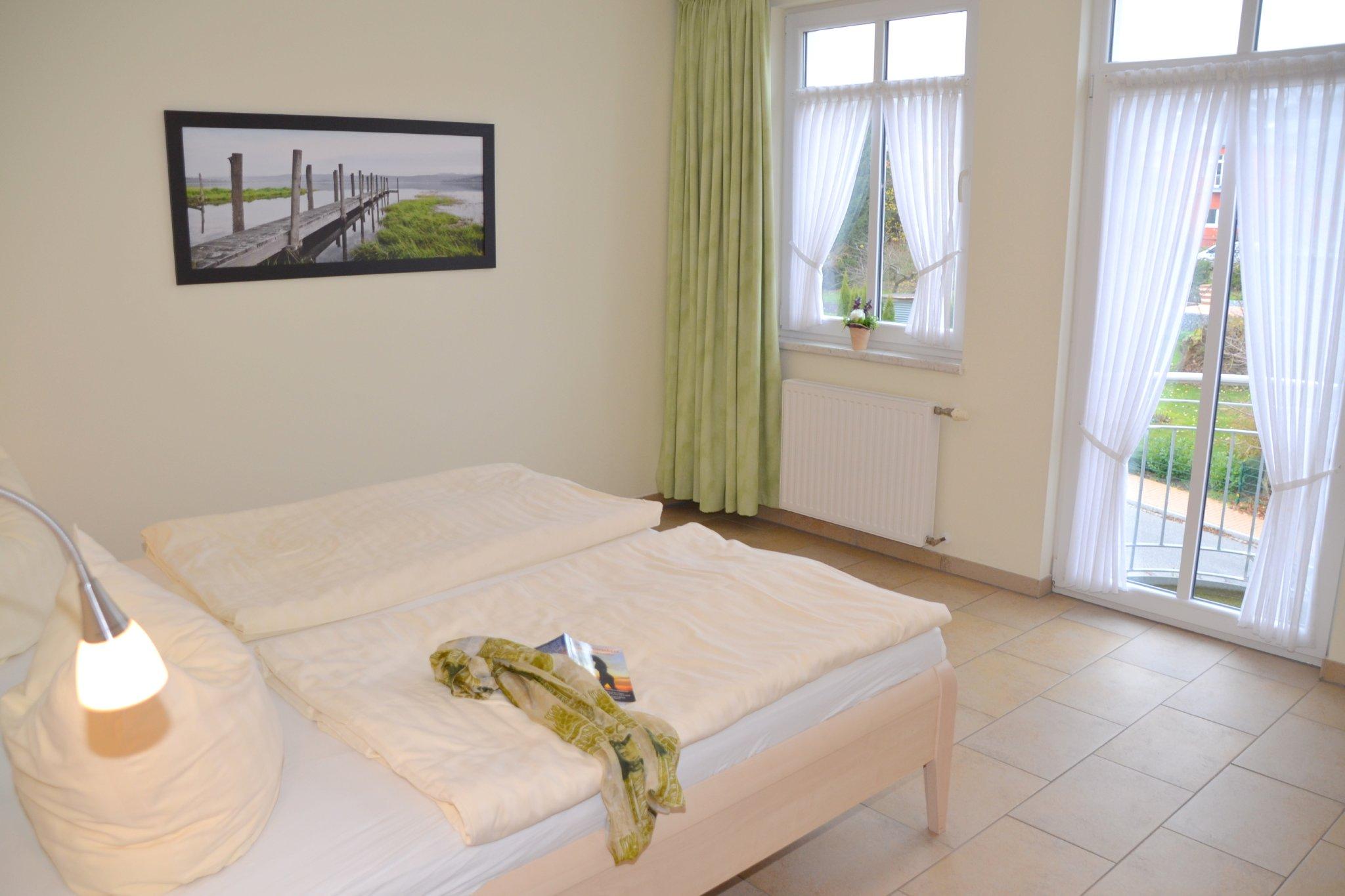 Schlafzimmer mit Stehbalkon