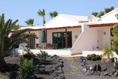Gartenansicht mit Terrasse 32B