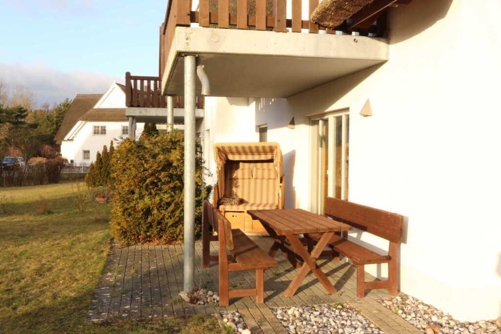 Ferienwohnungen im Reetdachhaus, Dorfstr.2 A, Fewo